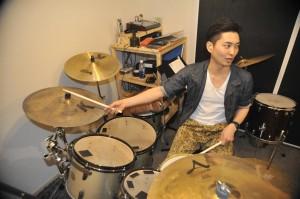 アッシュドラムスタジオでは、オンラインドラムレッスンを開始しました。