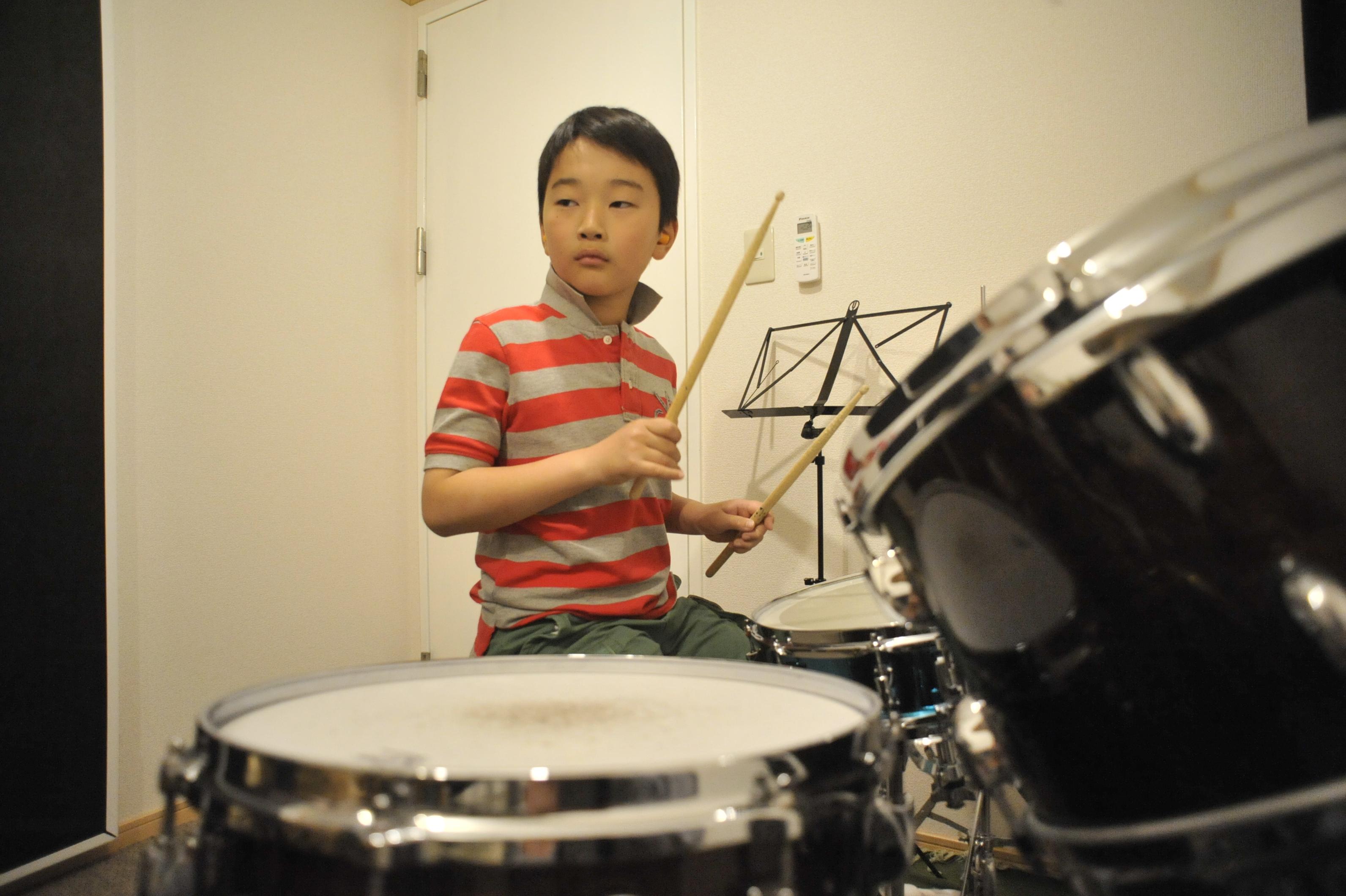 子どもに楽器を習わせるならドラムがおすすめ!ドラムだからこその効果